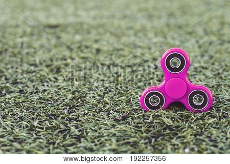 the popular pink spinner gadget in 2017 line of the soccer (football) artificial field