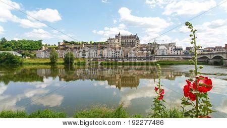 Along the route of the castles on the Loire River Ville d'Amboise et le Château d'Amboise