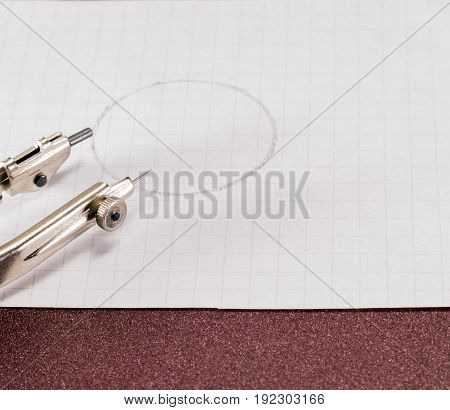 Edge of a circular on a sheet of paper with a circle is a useful tool in work and at home