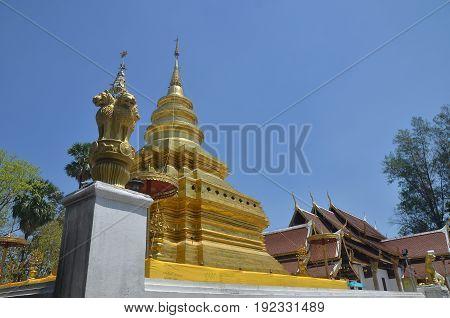 Wat Phrathat Sri Chom Tong Chiangmai Thailand