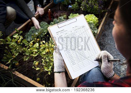 Famer do a check list organic and non-gmo