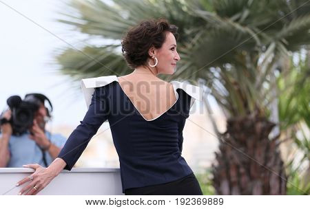 Jeanne Balibar attends the 'Barbara' photocall during the 70th annual Cannes Film Festival at Palais des Festivals on May 18, 2017 in Cannes, France.