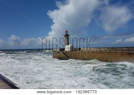 Praia dos Carneiros image of lighthouse in Porto