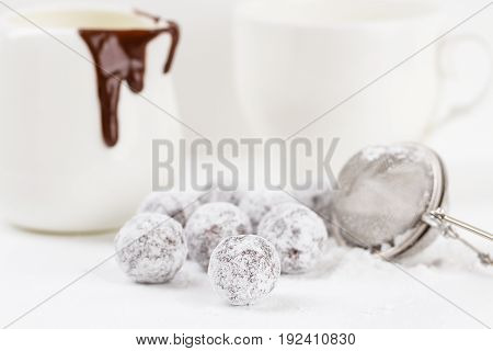 Chocolate Truffle With Sugar Powder