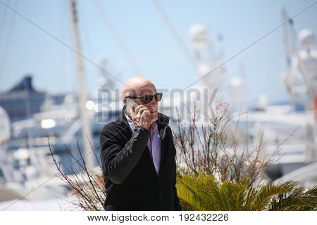 Barbet Schroeder attends 'Le Venerable W' photocall during the 70th annual Cannes Film Festival at Palais des Festivals on May 20, 2017 in Cannes, France