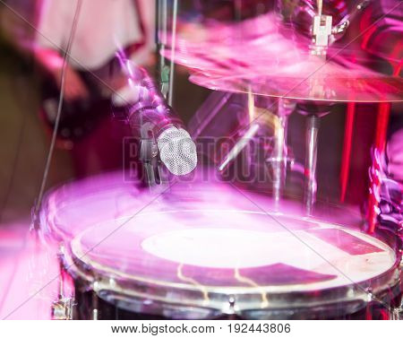 Microphone on the drums in the rock band