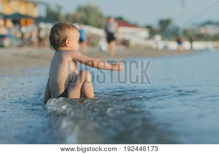 The Child Fell Near The Sea Without Going In Depth