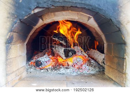 oven for baking pizza with wood oven pizza