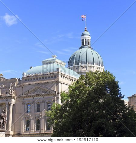 Dome of the Indiana capitol building with blue skies