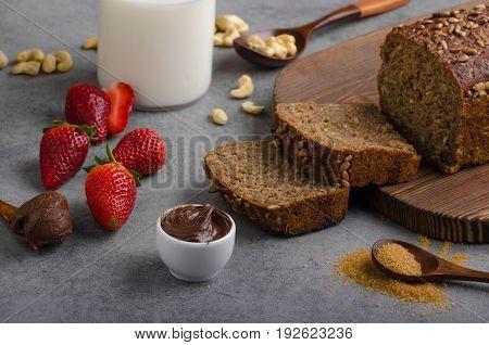 Nutella Spread With Wholegrain Bread