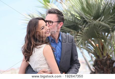 Berenice Bejo, Michel Hazanavicius attend the 'Redoutable (Le Redoutable)' photocall during the 70th annual Cannes Film Festival at Palais des Festivals on May 21, 2017 in Cannes, France.