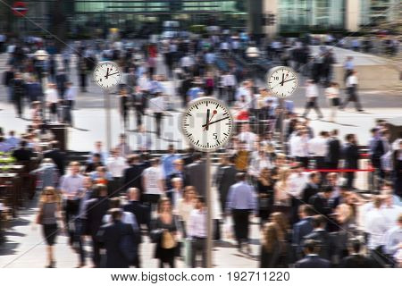 Time for lunch for office workers in Canary Wharf. Business life of London