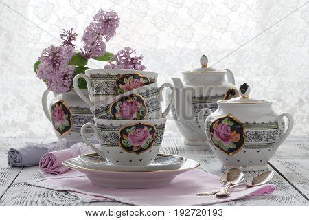Fresh Hot Elderflower Tea With Elder Flowers And Leaves