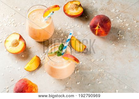 Peach Smoothie With Oatmeal