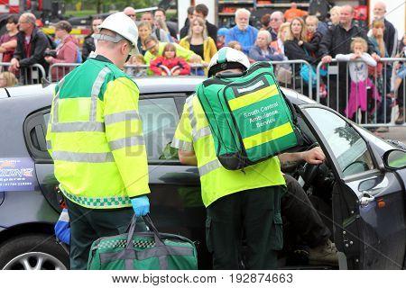 Beaulieu, Hampshire, Uk - May 29 2017: Two British Paramedics From The South Central Ambulance Servi