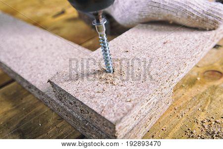 tightening the screw