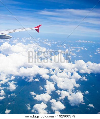 Vacation Starts Wing over Lands