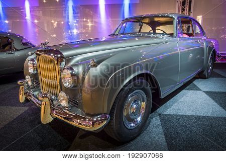 MAASTRICHT NETHERLANDS - JANUARY 14 2016: Luxury car Bentley Continental S2 1961. Boby by H. J. Mulliner. International Exhibition InterClassics & Topmobiel 2016