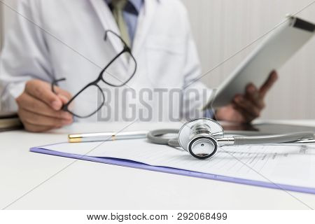 Healthcare And Medical Concept, Doctor Explain Symptoms And Medical Treatment To Patient In Hospital
