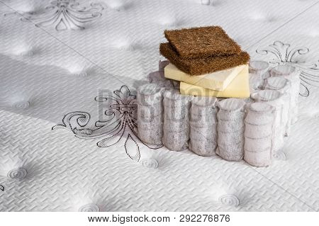 Mattress Filler. Coconut Coir, Nature Para Latex Rubber, Memory Foam Independent Spring. Grated Coco