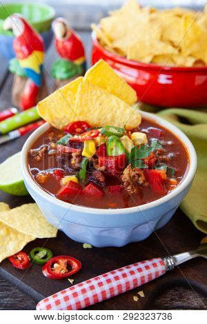 Spicey Hot Chili Con Carne With Tortilla Chips