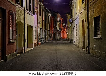 Street At Night In The Old Town Of An Italian City - Picturesque Dark Alley In Italy
