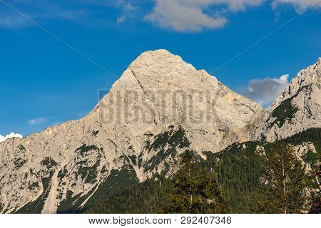 Ehrwalder Sonnenspitze (2417 M) In The Mieming Range Or Mieminger Mountains, Eastern Alps, Tyrol Sta