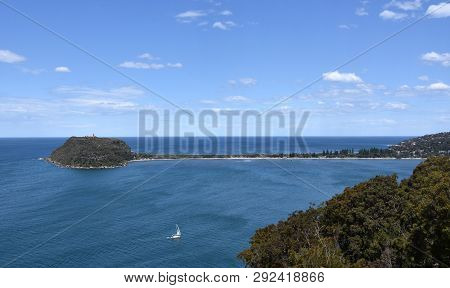 View Of Barrenjoey Head And Palm Beach From West Head (ku-ring-gai Chase National Park, Nsw, Austral