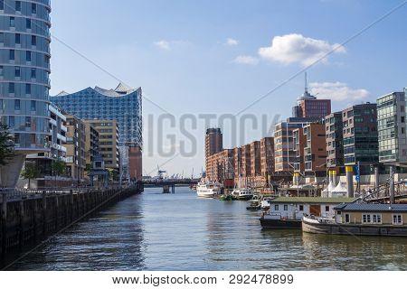 Hamburg, Germany - September 04, 2018: Hamburg City Canal And Modern Buildings, Hafencity Hamburg Ge