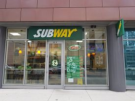 Chicago, Il February 24, 2019, Subway Restaurant Store Front Window, Entrance And Sign