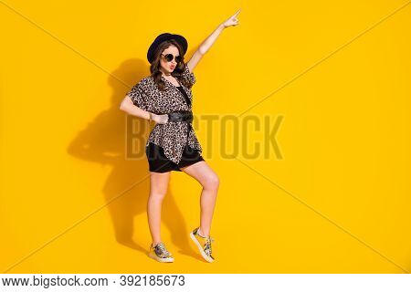 Full Size Photo Of Charming Girl Coo Dancer Dance Discotheque Raise Index Finger Send Air Kiss Wear
