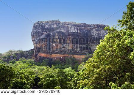 Sri Lanka: Beautiful Ancient Lion Rock Fortress In Sigiriya Or Sinhagiri, Located Near The Town Of D