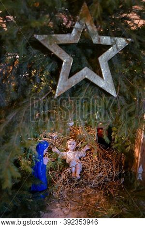 Christmas Nativity Scene With Baby Jesus Creche