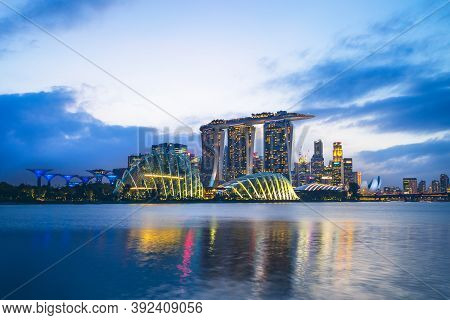 February 4, 2020: Skyline Of Singapore At The Marina Bay With Iconic Building Such As Supertree, San