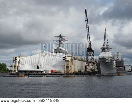 Norfolk, Usa - June 9, 2019: Image Of Several Us Navy Ships Docked At Bae Systems Pier In Norfolk Fo