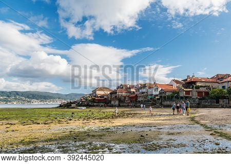 Combarro, Pontevedra - August 28, 2020: Low Tide At The Well-preserved Village Of Combarro In Pontev