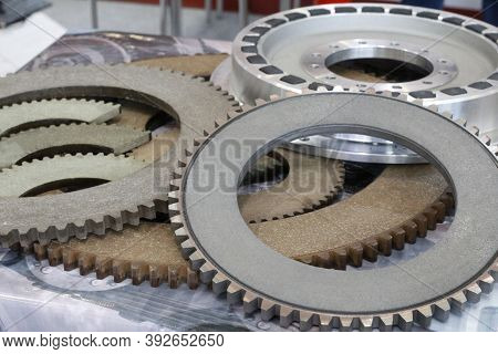 Friction Clutches For Heavy-duty Gearboxes With Integral Clutch. Mechanical, Pneumatic And Rubber Da