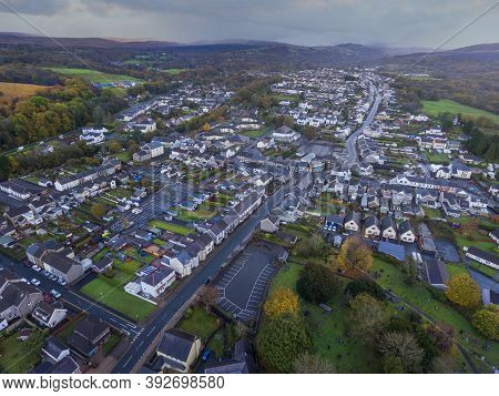 Editorial Ystradgynlais, Uk - October 25, 2020: Aerial View Of The Town Of Ystradgynlais In The Swan