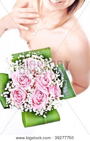 detail on bride hold flowers bouquet