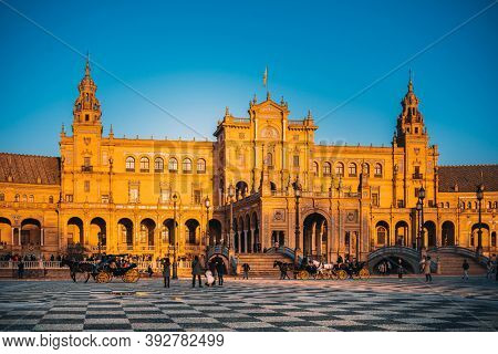 SEVILLA, SPAIN - January 13, 2018: The Spain Square is a plaza in the Parque de Maria Luisa in Seville
