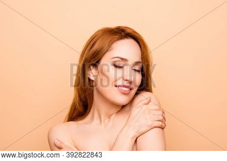 Close-up Portrait Of Her She Nice-looking Attractive Gentle Tender Nude Naked Shine Perfect Peaceful