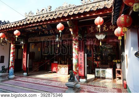 Hoi An, Vietnam, October 29, 2020: Temple In The Backyard Of The Assembly Hall Of Fujian Chinese Tem
