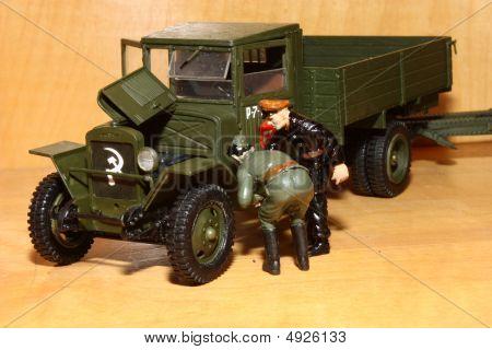 Toy Model Zis-5V