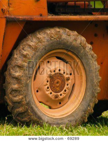 Uniloader Tire