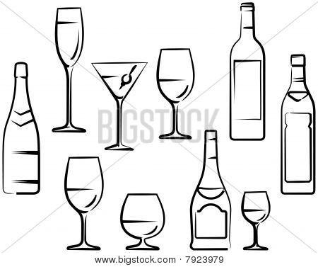 Copo de vinho e garrafas