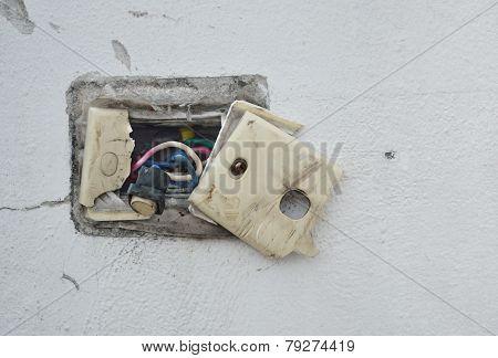 Undone Ac Power Socket