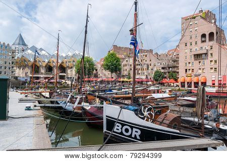 The Old Harbor In Rotterdam