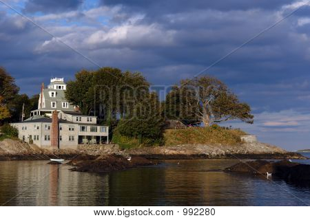 Dramatically Lit House On The Coast In Historic Marblehead Massa