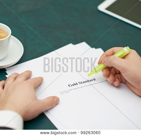 Marking words in a gold standart definition