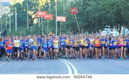 Large Group Of Running Girls And Boys Starting